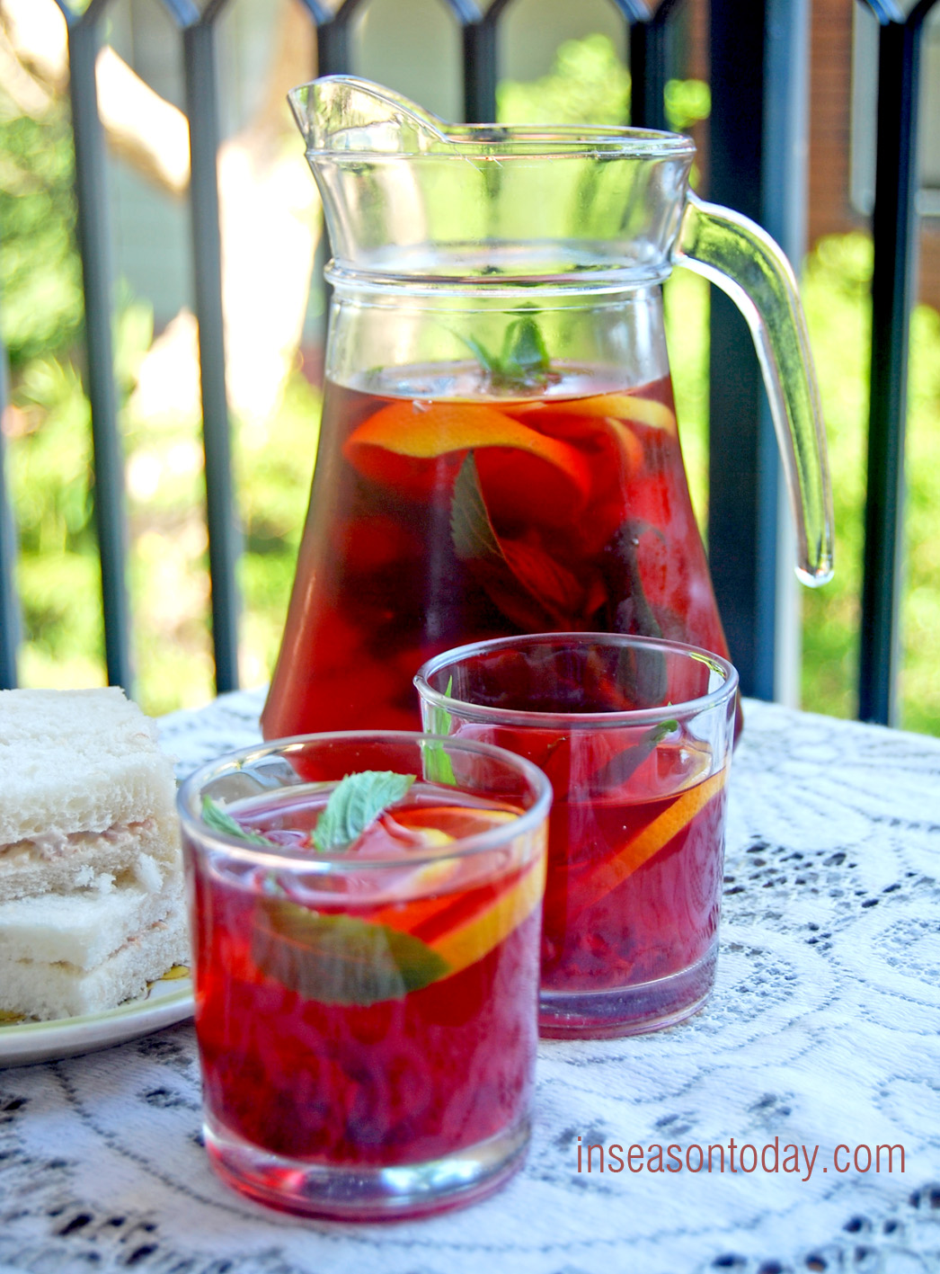 apple and raspberry iced tea 1