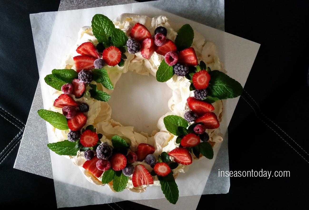 pavlova wreath 1